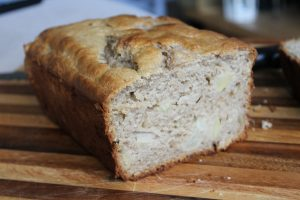 Apple and cinnamon bread